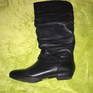 Steve Madden black boots! EUC!  8.5!